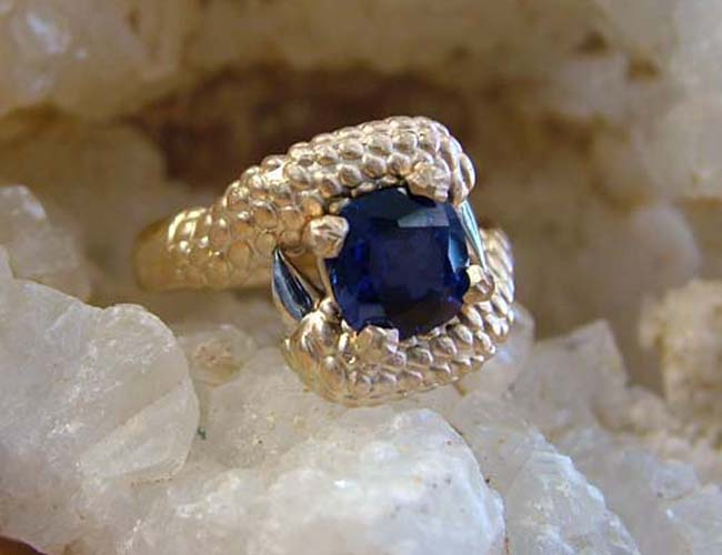 sapphire claw ring