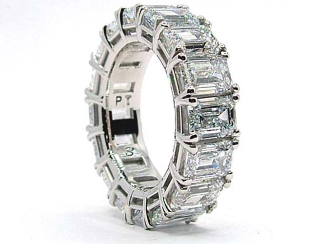 lab grown emerald cut diamond ring